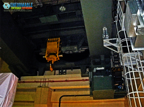 Unit 6 Reactor building ceiling crane