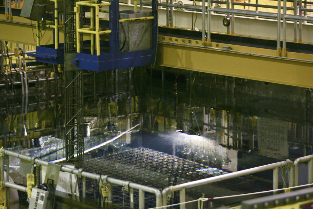 Enformable Second photograph of stainless steel racks of spent nuclear full at the top of Unit 1.-1024